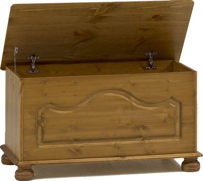 Richmond Pine Blanket Box